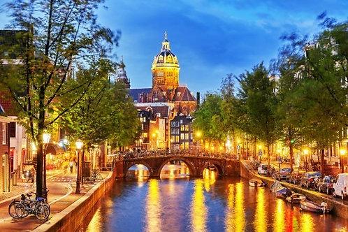 Вечерний Амстердам в Нидерландах