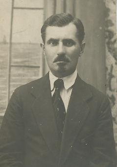 g Leonid 1920 .jpeg