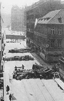 Prague_uprising_barricades,_May_1945.jpg