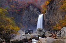 Naena Waterfall in Fall, Niigata
