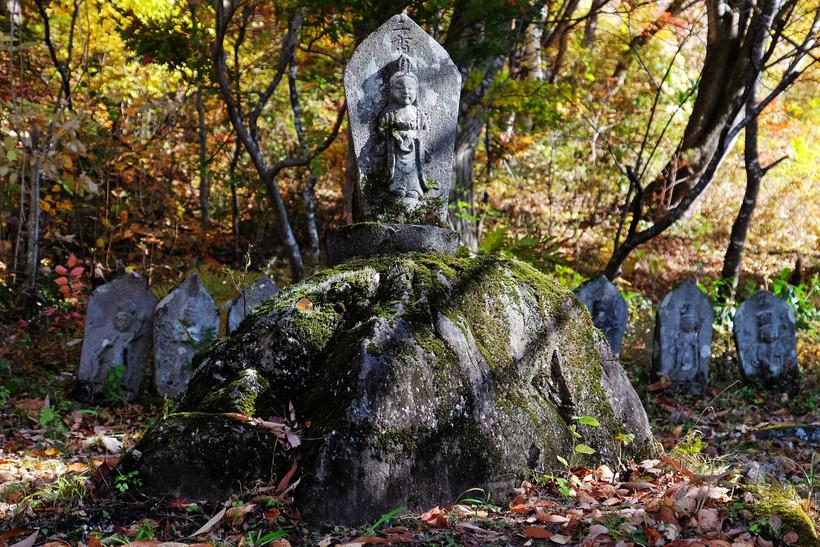 Historic Statues, Otari, Nagano.jpg