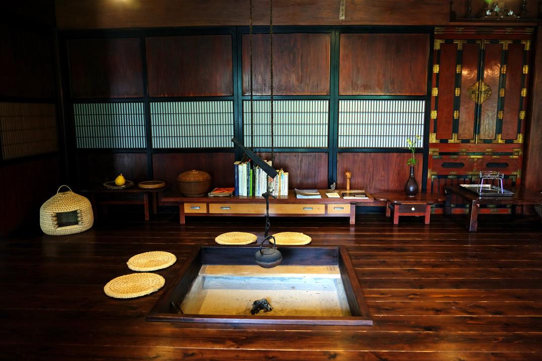 Traditional Japanese Home, Otari, Nagano.jpg