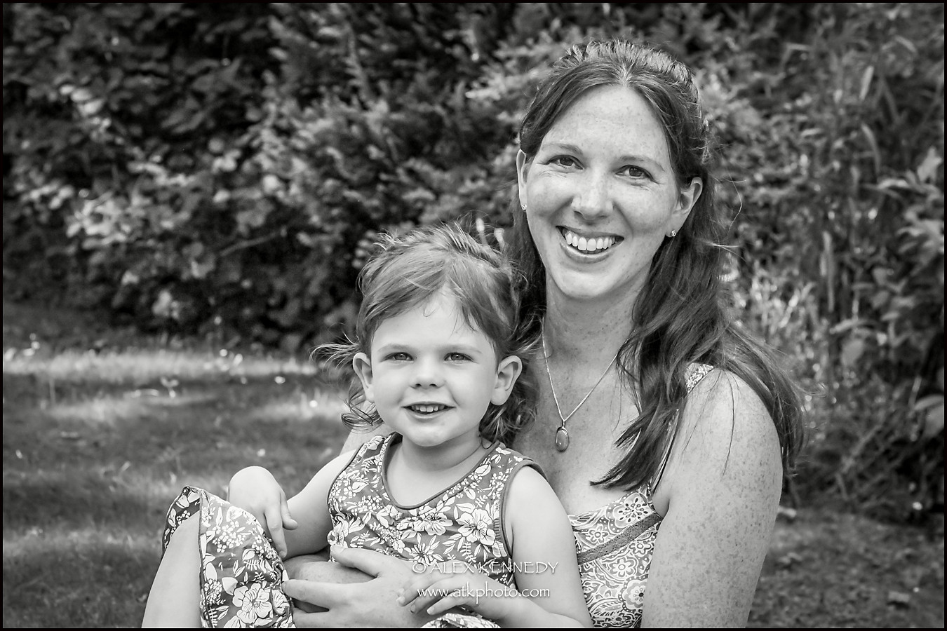 Contemporary bespoke family portrait photography in Wiltshire