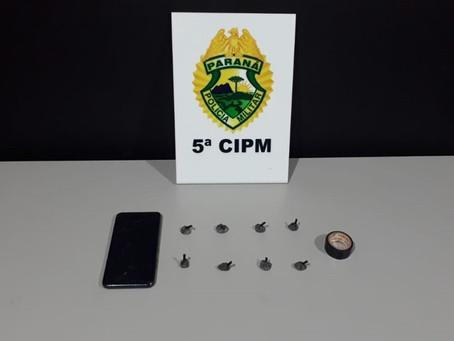 Durante abordagem de suspeito, PM localiza 8 porções de cocaína com homem de 36 anos