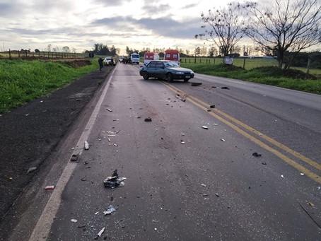 Colisão entre vários veículos nesta manhã deixa dois feridos na PR-323 entre Cianorte e Tapejara