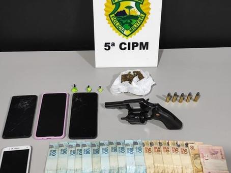 Em Vidigal, policiais militares prendem homem por tráfico de drogas e posse ilegal de arma de fogo