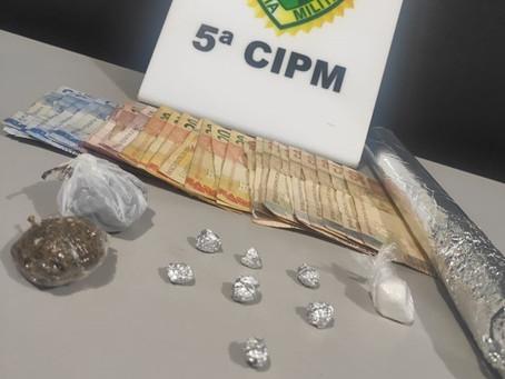 Após atitude suspeita, casal é preso acusado de tráfico de drogas no Jd. Asa Branca I em Cianorte