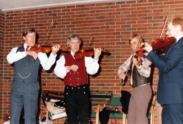 Østerdal slåttelag, 10-årsjubileum 1985.