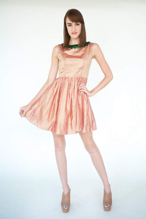 Peachy Beetle Wing Collar Cocktail Dress  Size 0
