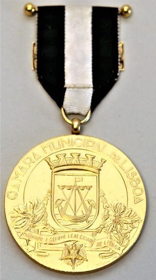 Medalha de ouro da Cidade de Lisboa f.JP