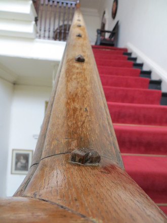 Knobbly bannister