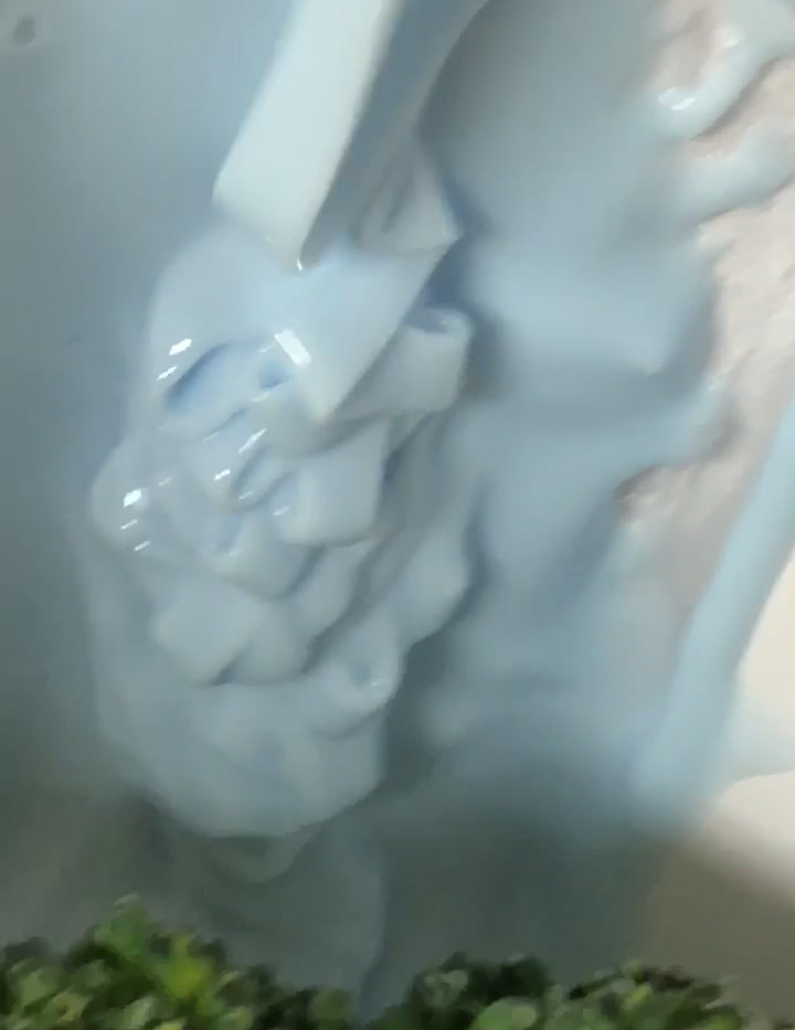 Silicone pour during mold making process