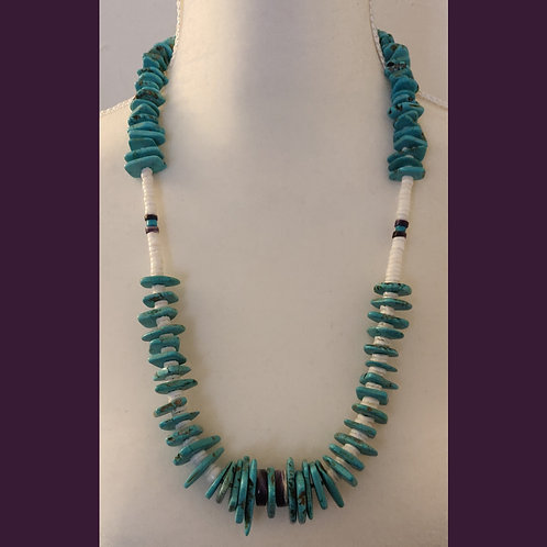 Turquoise chuncky necklace with Wampum accent