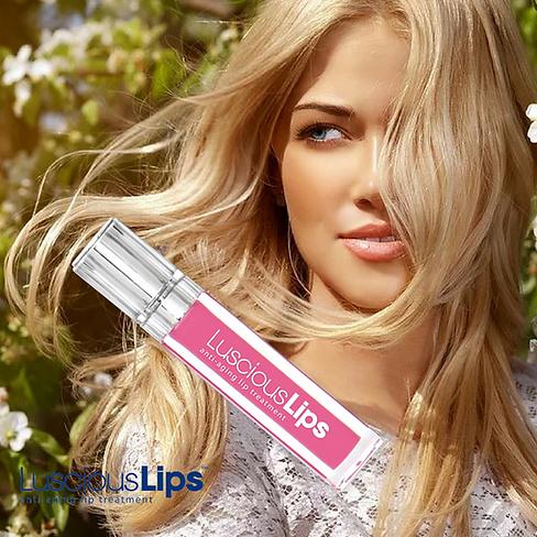 Beautiful Luscious Lips.png