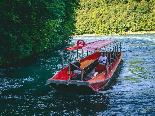 Klaushausen - Ferienoase am Bodensee Ferienwohnungen und Ferienhaus in Überlingen besucht den Rheinfall bei Schaffhausen