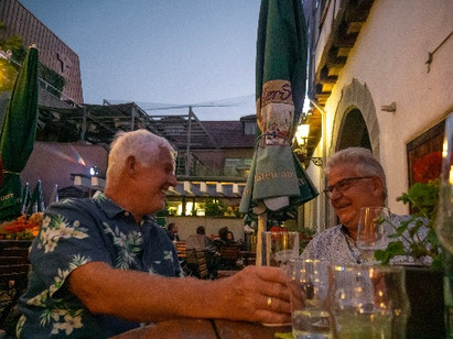 Klaushausen Ferienwohnungen in Überlingen am Bodensee besucht das Gasthaus Krone