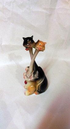 Katzenpaar mit Blume Porzellan Höhe ca.17cm