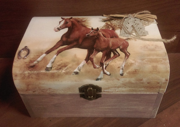 "Schmuckschatulle ""Pferd"" Handarbeit"