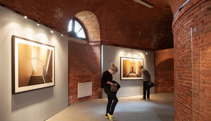 """Le Château d'Eau, festival Photoespaña. """"Paisajes Habitados"""", serie L'architecture des arbres. Toulouse, 2014"""