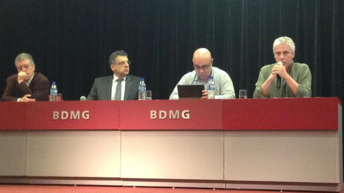 Cientistas políticos discutem desafios e perspectivas dos partidos políticos no Brasil