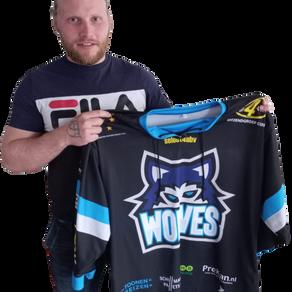Harley Verkroost versterkt de Nijmegen Wolves.