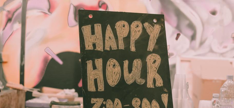 Fork Bar  - Νερό / Water - Φρέσκα σπιτική λεμονάδα / Fresh homemade lemonade - Αναψυκτικά / Soft drinks - Φρέσκος χυμός πορτοκάλι / Fresh orange juice - Κρασί / Wine - Ζεστό κρασί / Mulled Wine - Ζιβανία / Zivania - Draught Μπύρα / Beer (Stella & Hoegaarden) - India Pale Ale (IPA beer) - Τζιν με τόνικ / Gin & Tonic - Mojito (Δυόσμο / Mint & Γεράνι / Geranium)