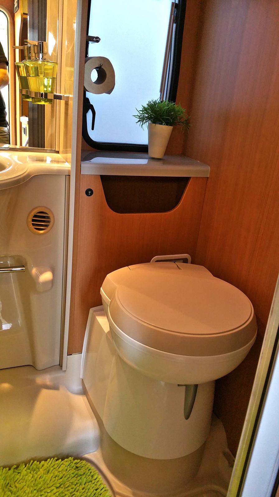 die Toilette im Challenger