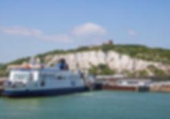 Blick auf das Dover Castle und den Fährhafen