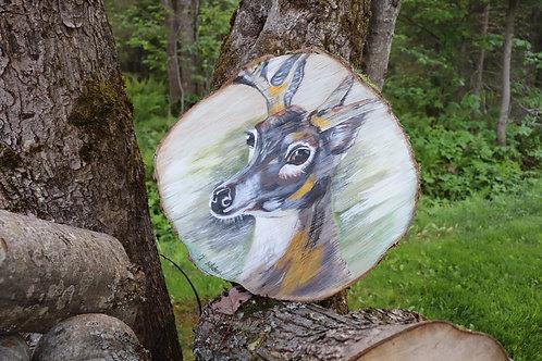 Sous plat ou grande rondelle de bois décorative ''Le chevreuil''
