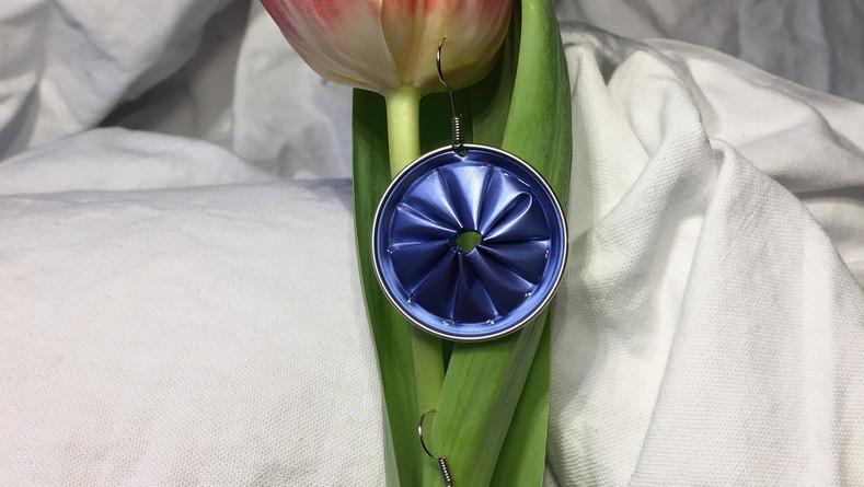Ohrhänger in Hellblau