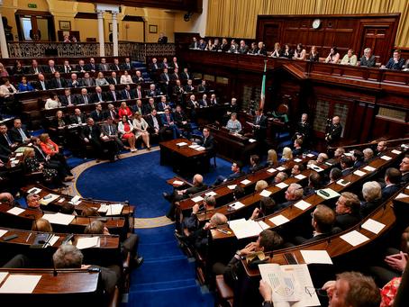 WAŻNE. Irlandzki parlament zagłosuje nad wnioskiem o wydalenie ambasadora Izraela.