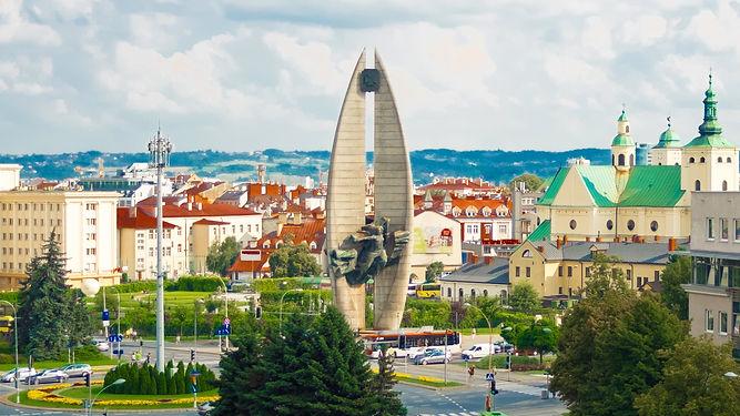 Rzeszów, pomnik rzeszowski, rynek, miasto, noclegi, apartamenty, new wave, budynki, podkarpacie