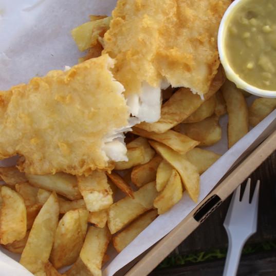 fish_chips_box_curry.jpg