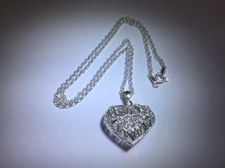 Silver Wire Heart Pendant on 16\