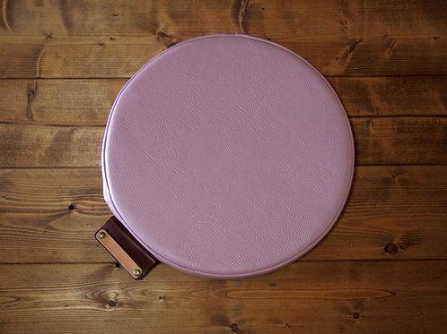 【名入れ、プレゼント用】円形座布団クッション(PVCレザー/一部本革)(ピンク)