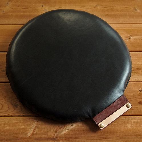 【名入れ、プレゼント用】本革座布団・円形レザークッション(直径30センチ・ブラック)