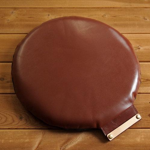 【名入れ、プレゼント用】本革座布団・円形レザークッション(直径30センチ・ブラウン)