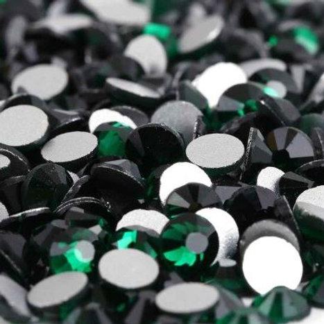 Emerald Diamantes Crystal Non Hotfix Flatback
