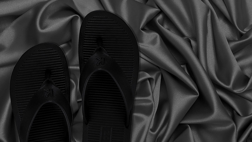 Black Krooz, Sparow, Avtarlite Slippers/FlipFlops/Chappal/Floatters, made of EVA, available on Amazon, Flipkart, Snapdeal and other platforms.