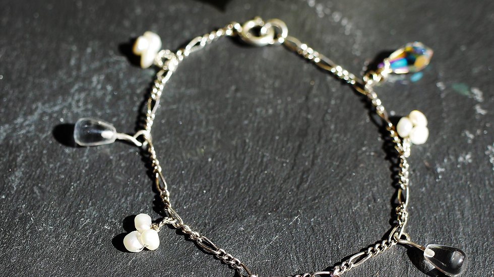 Crystals and Pearls Bracelet