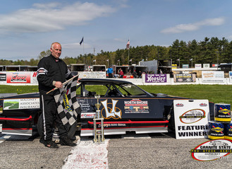 Barker to Victory Lane at Lee USA!