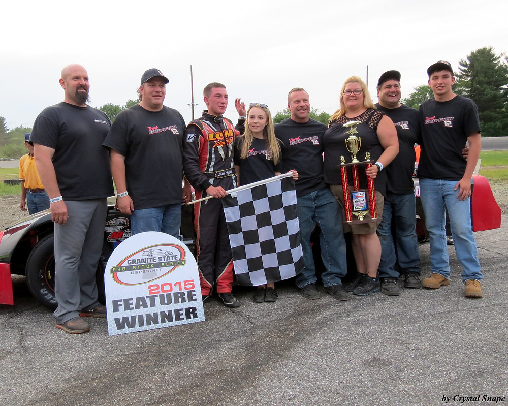 Derek Griffith and Crew in Victory Lane. (Crystal Snape Photo).JPG