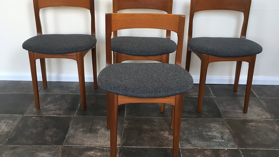 Set of 4 Vintage Mid Century Nathan / Danish Style Teak Dining Chairs