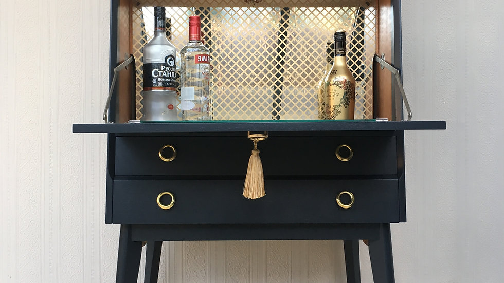 Handsome Mid Century Vintage Painted Black Teak Cocktail Cabinet/Drinks Cabinet