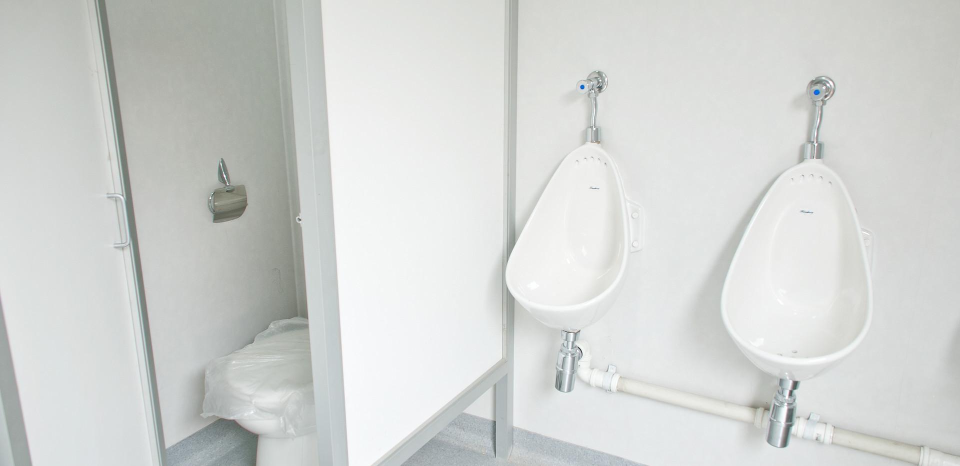 interior_baño_movil_de_lujo.jpg