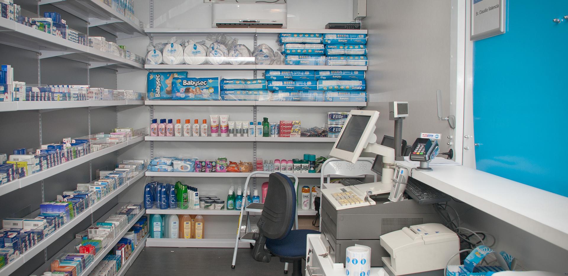Interior Farmacia Móvil