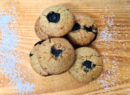 Muffins aux myrtilles vegans, prêts en 10 minutes.