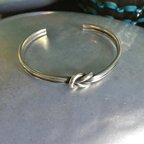 """James Avery """"Lover's Knot"""" Bracelet"""