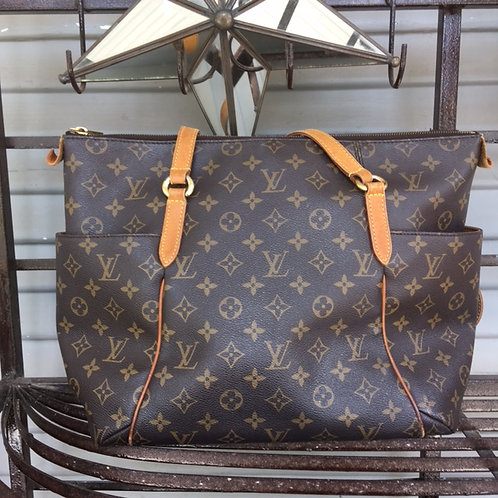 Louis Vuitton Totally MM Tote