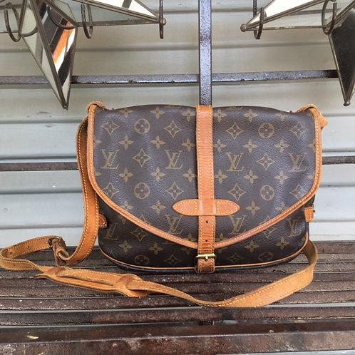 Vintage Louis Vuitton Saumur 30 Messenger Bag